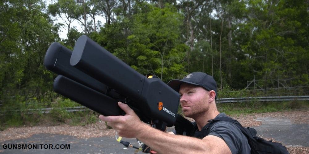 سلاحی عجیب برای مقابله با پهپاد!