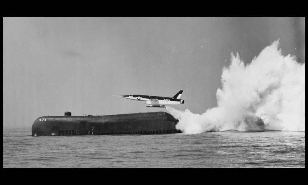 آمریکا و تلاش هایی برای تولید زیردریایی هواپیمابر